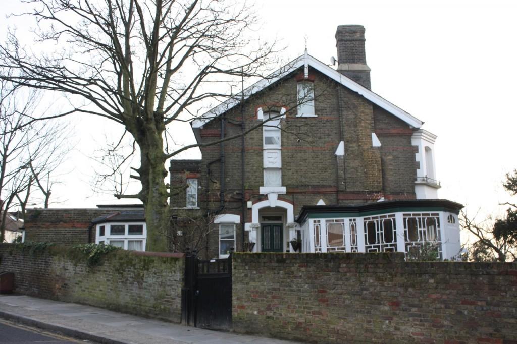 100 Eglinton Hill - Cheviot Lodge