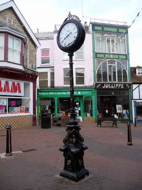 Clock in Shooters Hill, Cowes, Isle of Wight
